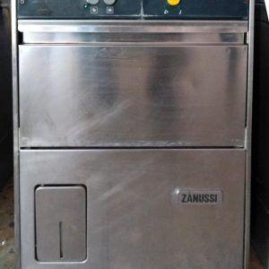 Πλυντήριο ποτηριών επαγγελματικό Zanussi για καλάθι 40 Χ 40 σε άριστη κατάσταση